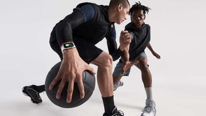 Apple-Watch-Series4_basketball-lifestyle_09122018